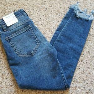 NWT Harper Cutoff Skinny Jeans